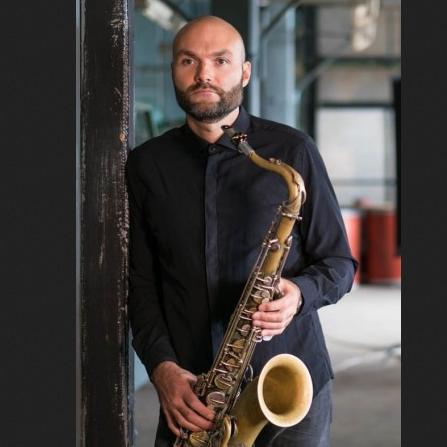 Сергей Головня и его саксофоны