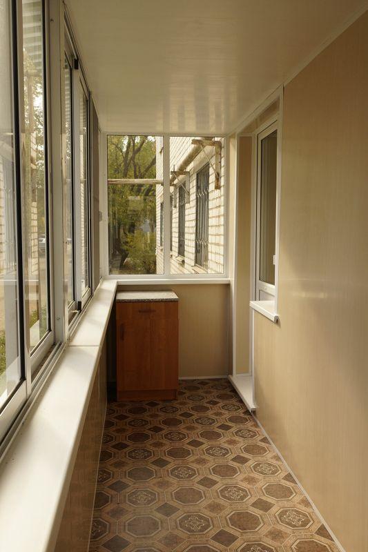 варианты благоустройства балкона фото тратить лишние