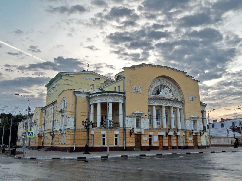 Афиша ярославль волковский театр апрель 2017 московский театр оперетты цены билеты